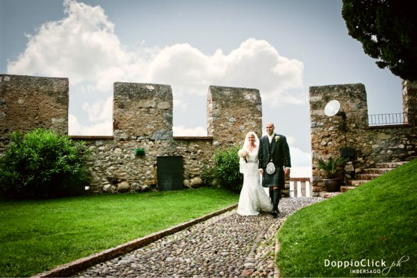 Bride and Groom in Malcesine Castle - Lake Garda