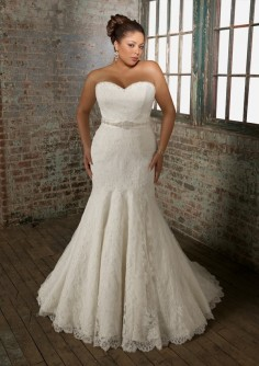 Italian destination weddings the right wedding dress for for Busty brides wedding dresses