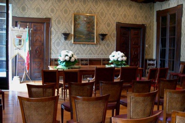 Gardone Riviera Town Hall (1)