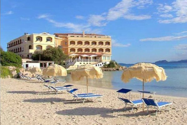 beach hotel_3