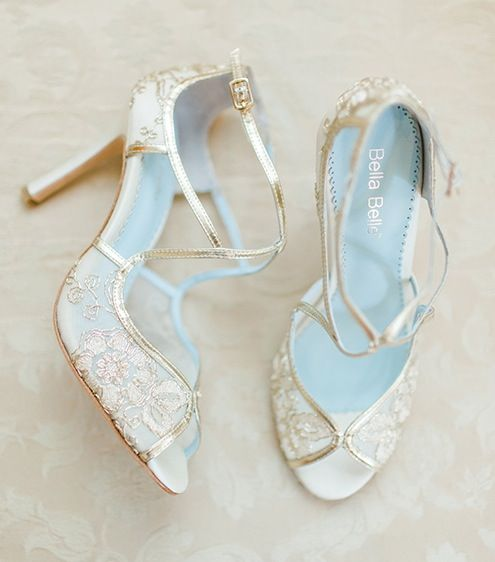 gold-lace-wedding-shoes